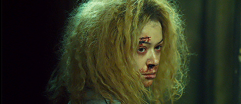 Helena leaves Sarah in her cell and escapes alone.